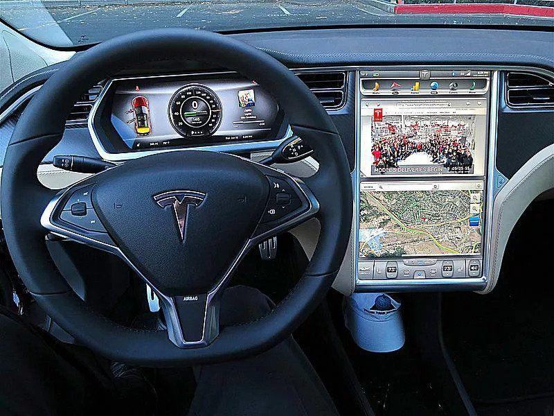 ویژگی های جدید برای پخش صوت در پخش خودرو ها